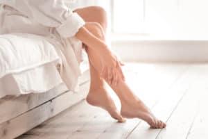 При тежест в краката през лятото – решения с траен ефект