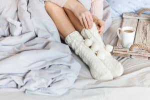 Студени крайници през зимата – причини и сигурно решение