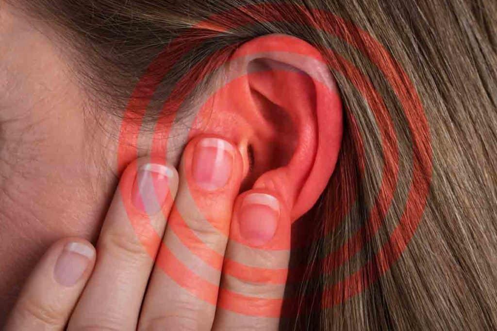 шум в ушите причини