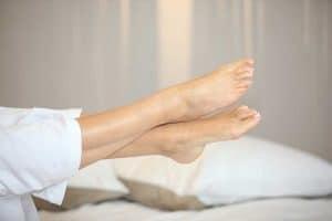 Подуване на краката при топло време – проблем, който има решение!