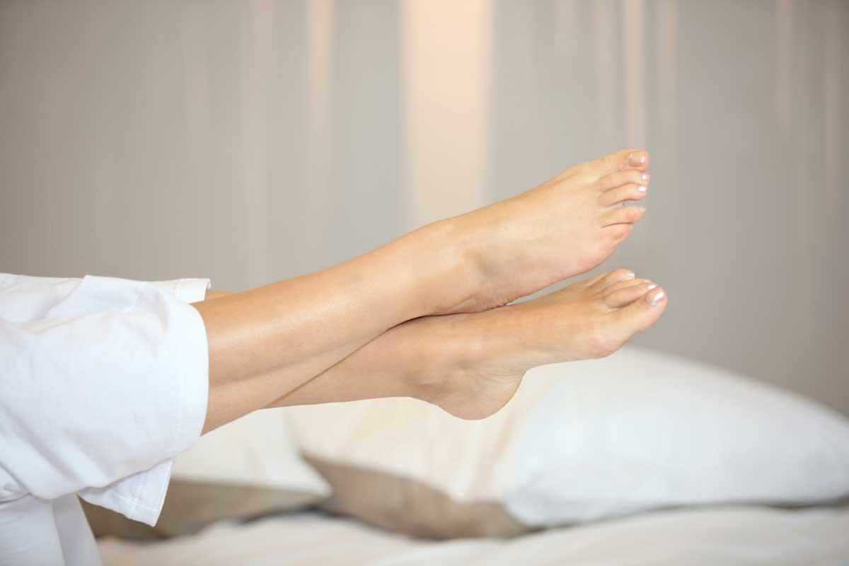 подуване на краката при топло време