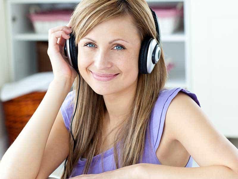 Как да се справим с шум в ушите – опитайте тези техники!