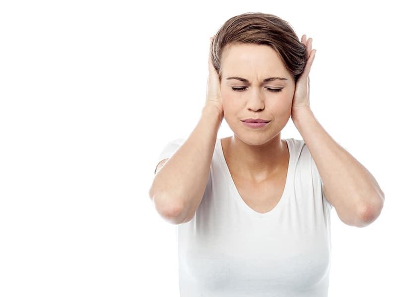 Коронавирус отключва и влошава шум в ушите